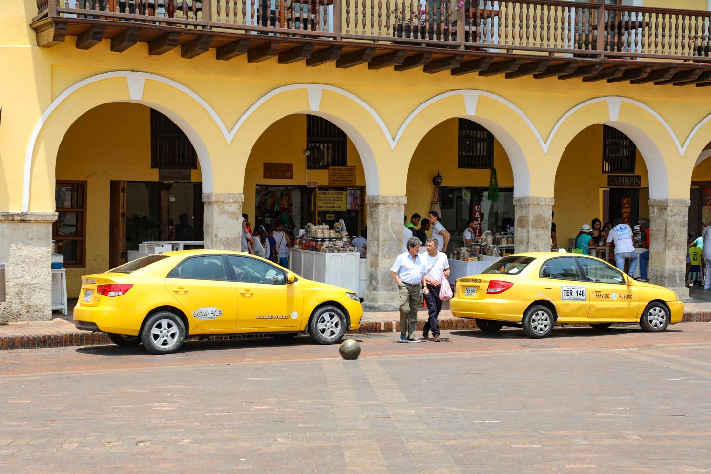 taxi's wachtend op klanten
